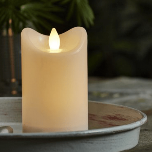"LED Stumpenkerze ""Bianco"" - flackernde LED - H: 12cm - Batteriebetrieb - Timer - outdoor - weiß"