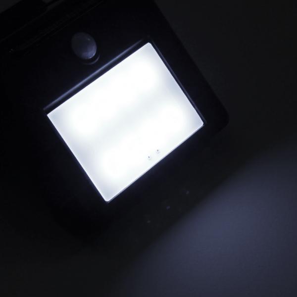 """Solar-Wandleuchte """"Wally"""" - 11x5,5x8cm - 6h Licht 6lm - 4 weiße LEDs - Dämmerungssensor"""