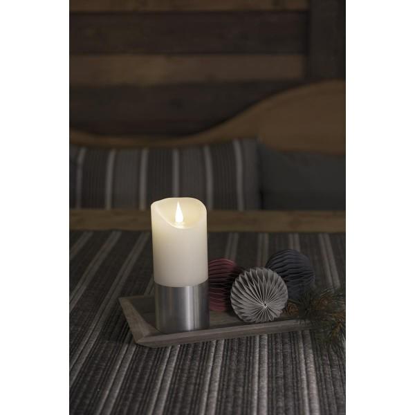 LED Kerze mit silberfarbener Banderole - Echtwachs - 3D Flamme - Timer - H: 20,5cm, D: 7,5cm - weiß