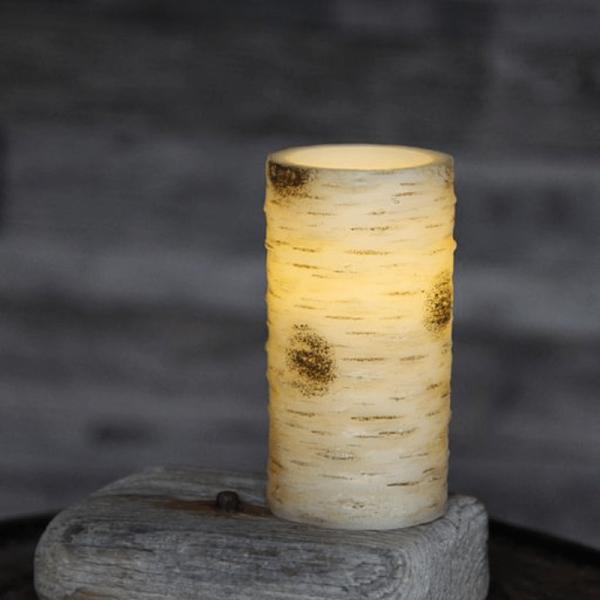 """LED Kerze """"Birke"""" - Echtwachs - Birkendesign - flackernde LED - Timer - H: 15cm, D: 7,5cm - creme"""