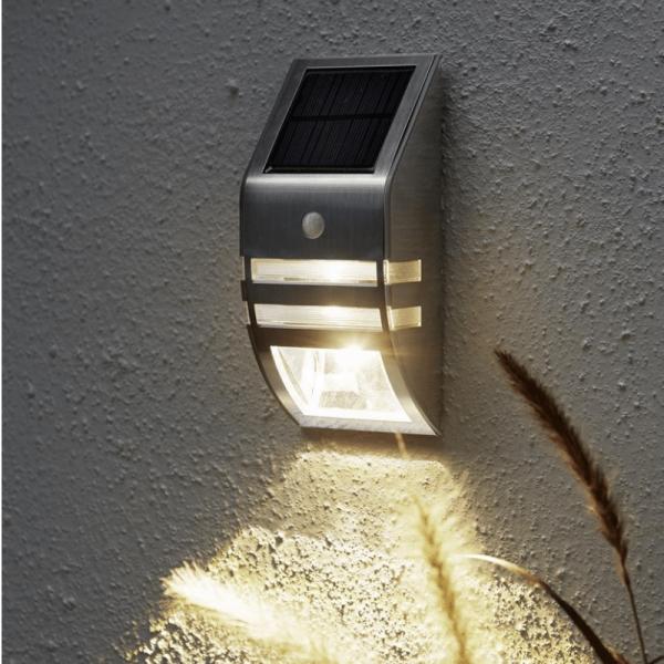 """LED Solar Wandleuchte """"Wally"""" - H: 17cm - Bewegungssensor & Dämmerungssensor - silber"""