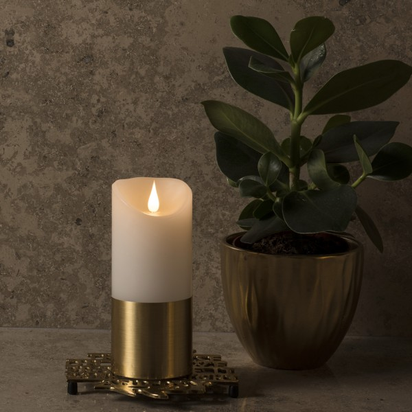 LED Kerze mit goldener Banderole - Echtwachs - 3D Flamme - Timer - H: 17,5cm, D: 7,5cm - weiß