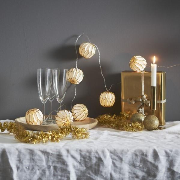 LED Origami Lichterkette - 10 weiß/goldene Papierblumen - warmweiße LED -  2,25m - Batterie - Timer