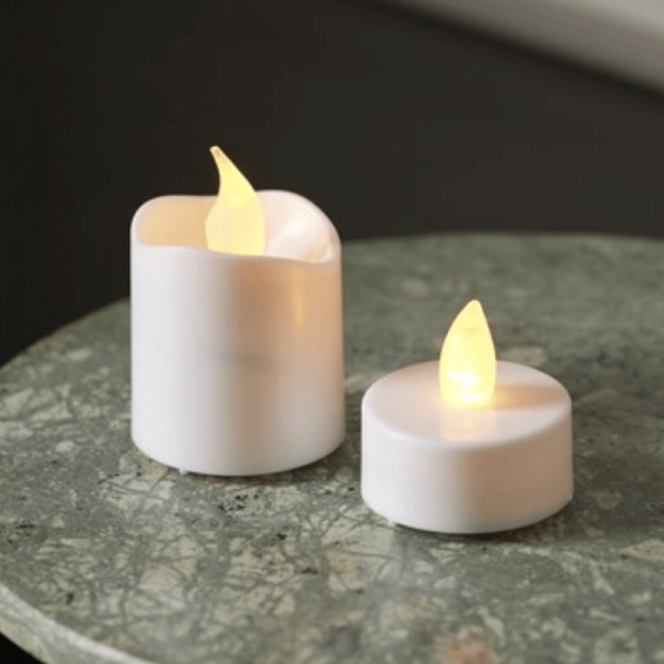 B-Ware LED Teelicht & Kerzen Set - flackernde LED - 6 Mini LED Kerzen + 10 LED Teelichter