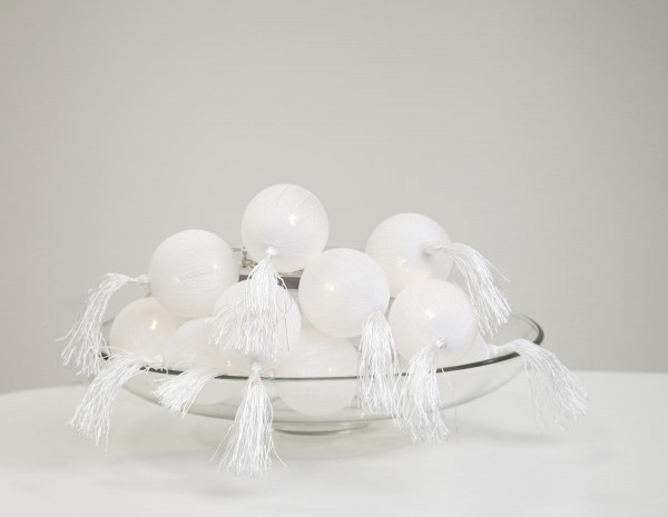 "LED Ball Lichterkette ""Tassel"" - 10 weiße Bälle  - warmweiße LED - L: 1,35m - Batterie - Timer"