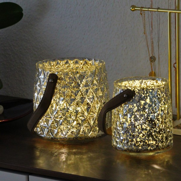 2 Windlichter aus Glas - silber mit warmweißer LED Lichterkette - Timer