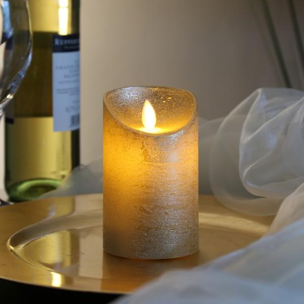 LED Kerze M-Twinkle - Echtwachs - bewegliche Flamme - Auspustfunktion - Timer - H: 12,5cm - gold