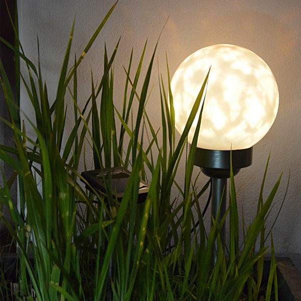 LED Solar Kugellampe - bewegtes Lichtmuster - 2 warmweiße LED - H: 47 cm D: 15 cm - inkl. Erdspieß