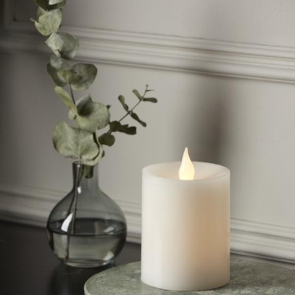 "LED Stumpenkerze ""Flame"" - Echtwachs - flackernde warmweiße LED - H: 12cm - Batteriebetrieb - Timer"