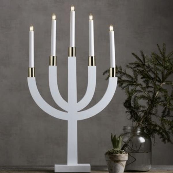 """Kerzenleuchter """"Elias"""" - 5 Arme - warmweiße Glühlampen - H: 67cm, L: 35cm  - Schalter - Weiß/Messing"""