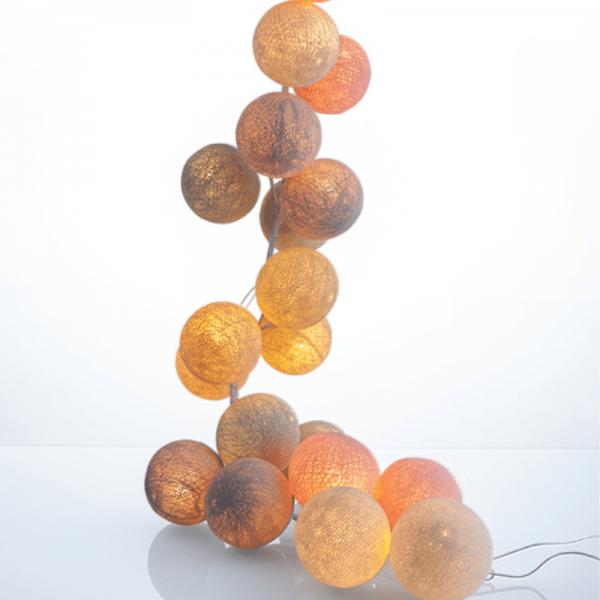 good moods* PUDERZUCKER - Ball-Lichterkette mit 20 Stoffkugeln - 20 warmweiße LEDs - Geschenkkarton