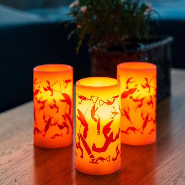 "LED Kerze ""Krebse"" - Krebsmuster - Echtwachs - H:12,5cm - D:7,5cm - indoor - Timer"
